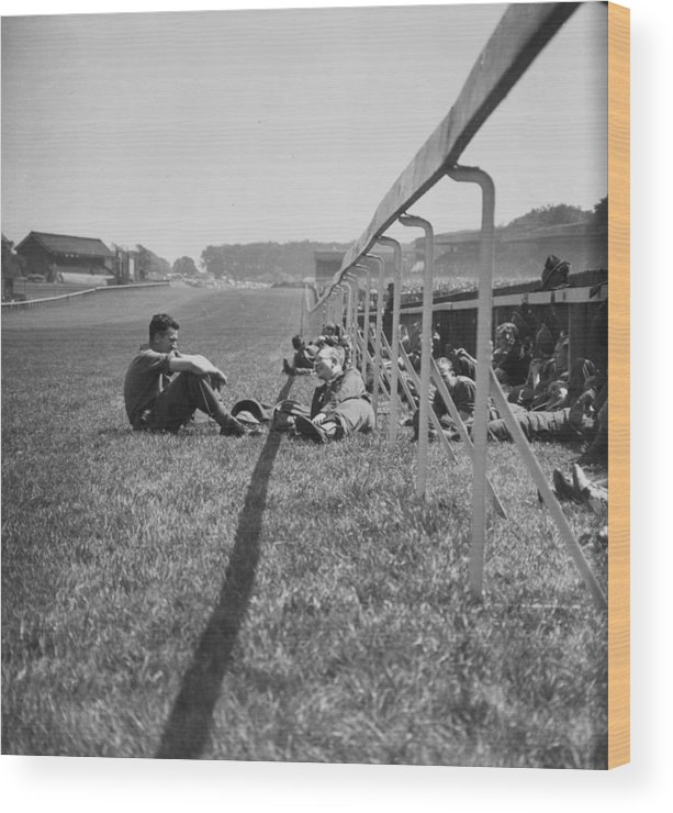 Grass Wood Print featuring the photograph Wartime Derby by Bert Hardy
