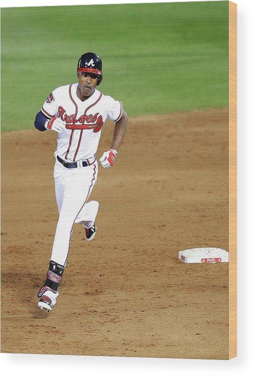 Atlanta Wood Print featuring the photograph Milwaukee Brewers V Atlanta Braves by Mike Zarrilli
