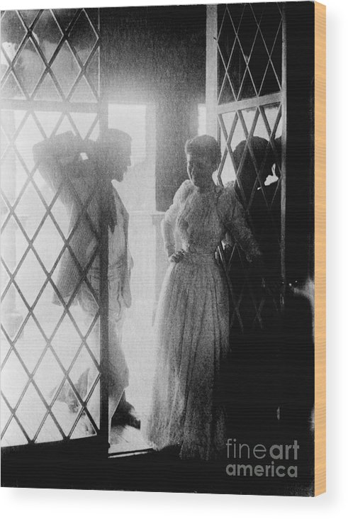 19th Century Wood Print featuring the photograph Couple In Doorway by Granger