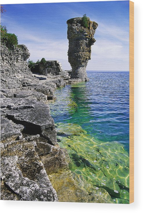 Granite Wood Print featuring the photograph Flowerpot Island by John Bartosik