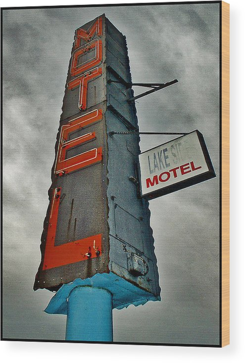 Color Wood Print featuring the photograph Lake Motel by Curtis Staiger