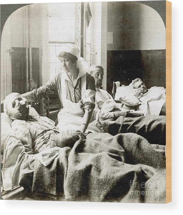 1914 Wood Print featuring the photograph World War I: Nurse by Granger