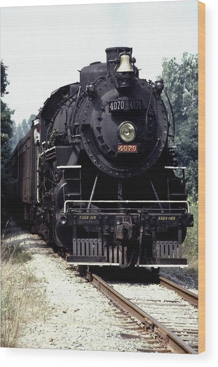 Train Wood Print featuring the photograph 030907-54 by Mike Davis