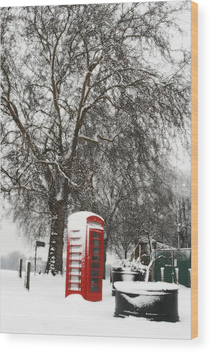 Snow Wood Print featuring the photograph London Telephone Box by Karyn Schafer Campbell