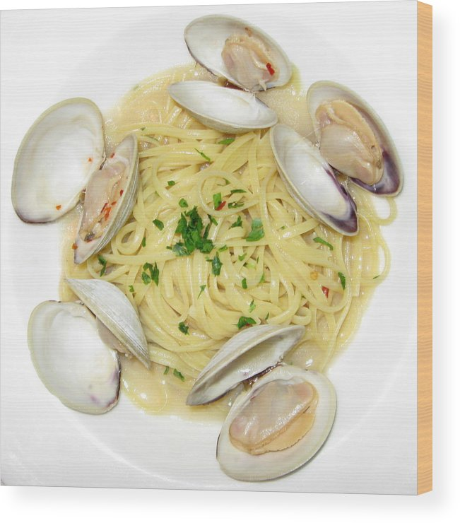 Food Wood Print featuring the photograph Linguine With Clams by Annie Babineau