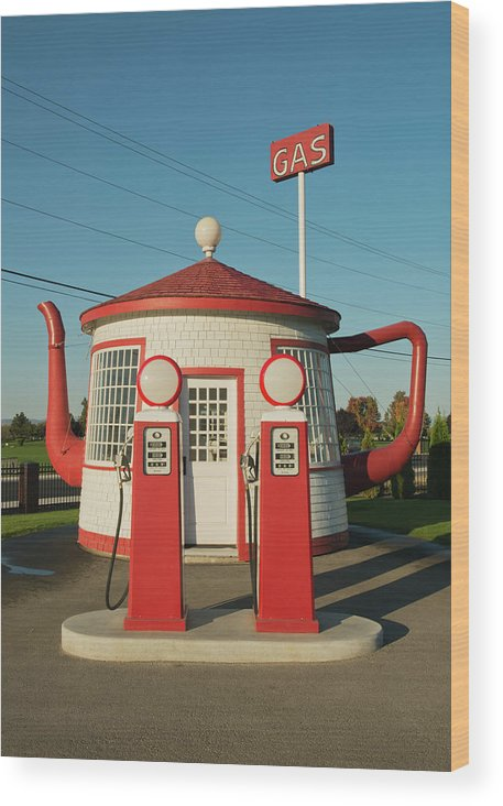 Outdoors Wood Print featuring the photograph Historic Teapot Gas Station by Kevin Schafer