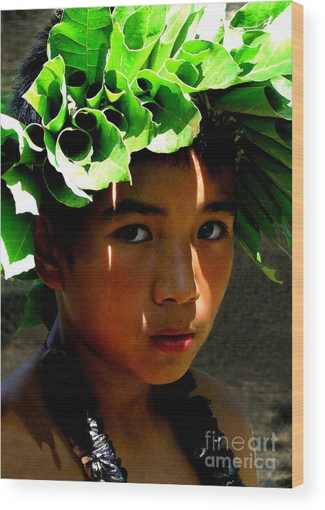 Hawaii Wood Print featuring the photograph Molokai Keiki Kane by James Temple