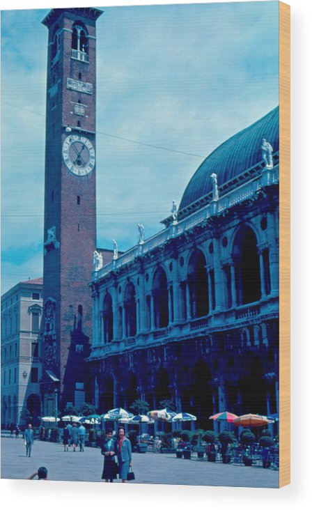 Piazza Del Signore Wood Print featuring the photograph Piazza del Signore 2 1962 by Cumberland Warden