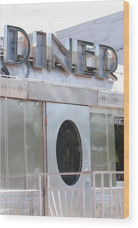 Architecture Wood Print featuring the photograph Art Deco Diner by Rob Hans