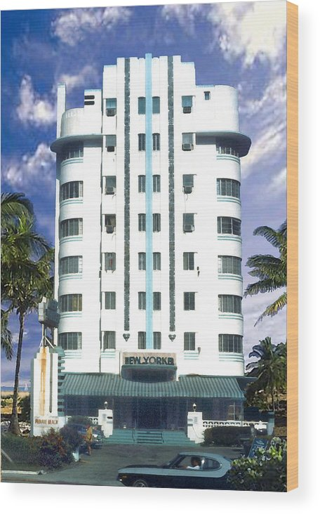 Miami Wood Print featuring the photograph The New Yorker by Steve Karol