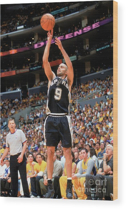 Nba Pro Basketball Wood Print featuring the photograph Spurs V Lakers by Andrew D. Bernstein