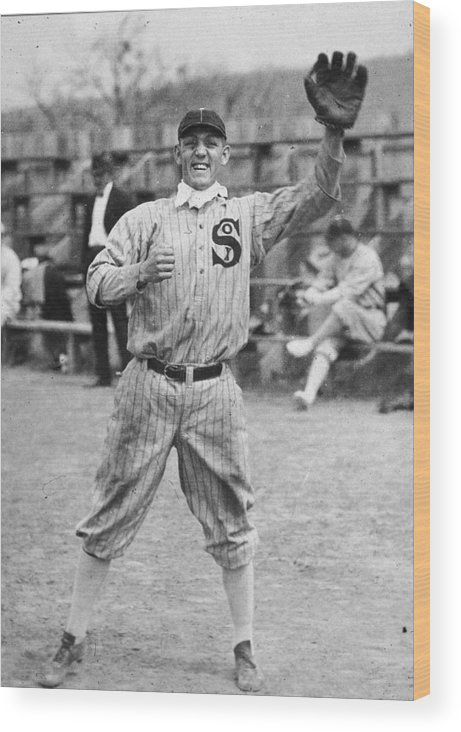 People Wood Print featuring the photograph Buck Weaver Is Ready To Catch A Ball by Apa