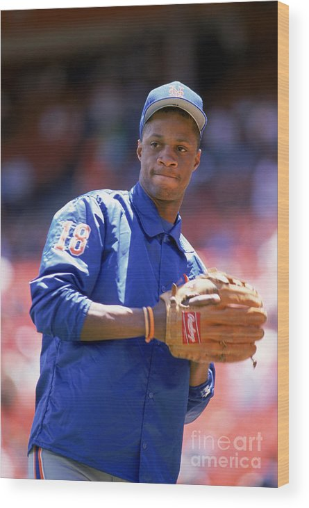 1980-1989 Wood Print featuring the photograph Darryl Strawberry Throws The Ball by Otto Greule Jr