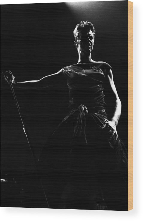 David Bowie Wood Print featuring the photograph David Bowie by Paul Bergen