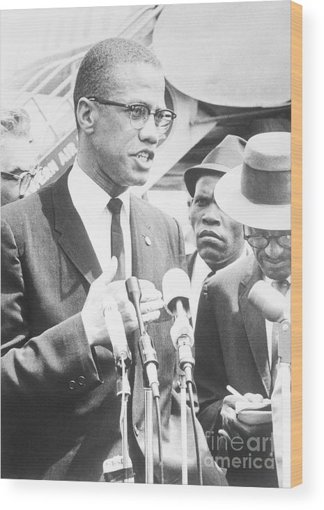 People Wood Print featuring the photograph Malcolm X Speaking To The Press by Bettmann