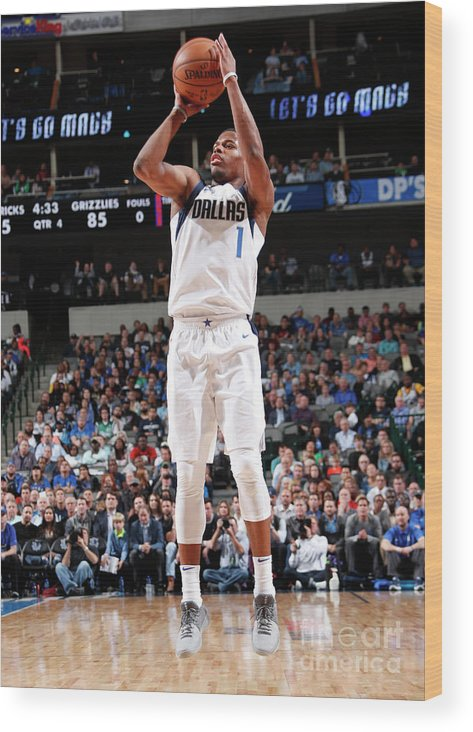 Nba Pro Basketball Wood Print featuring the photograph Memphis Grizzlies V Dallas Mavericks by Danny Bollinger