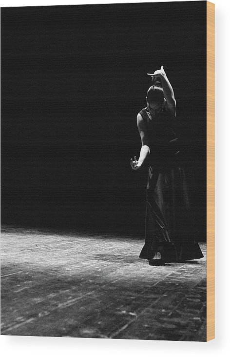 Ballet Dancer Wood Print featuring the photograph Modern Flamenco by T-immagini