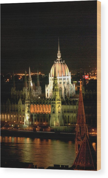 Hungarian Parliament Building Wood Print featuring the photograph Parliament Building Lit Up At Night by Roberto Herrero Garcia