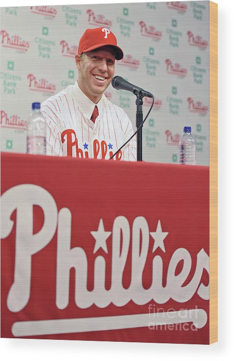 People Wood Print featuring the photograph Roy Halladay Press Conference by Drew Hallowell