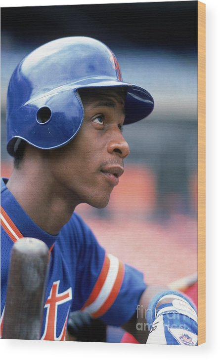 1980-1989 Wood Print featuring the photograph Darryl Strawberry by Rich Pilling