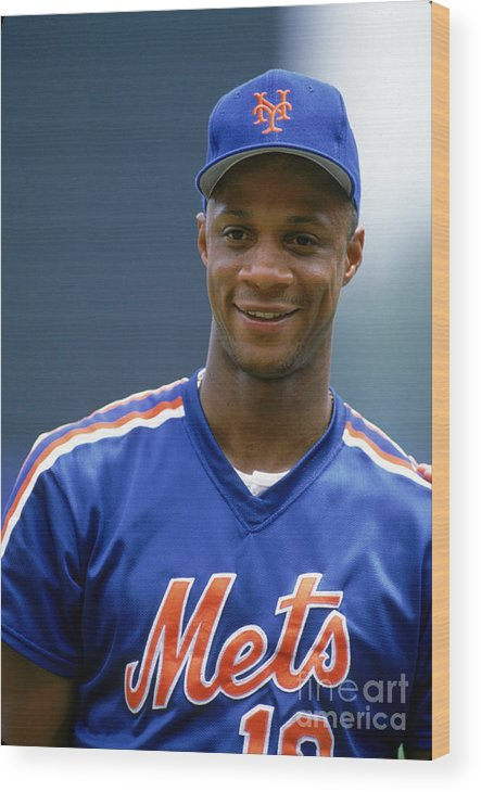 1980-1989 Wood Print featuring the photograph Darryl Strawberry by Ron Vesely