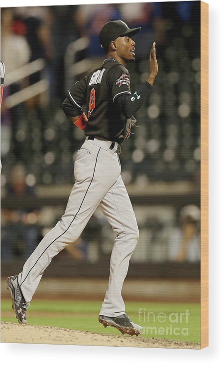People Wood Print featuring the photograph Dee Gordon by Elsa