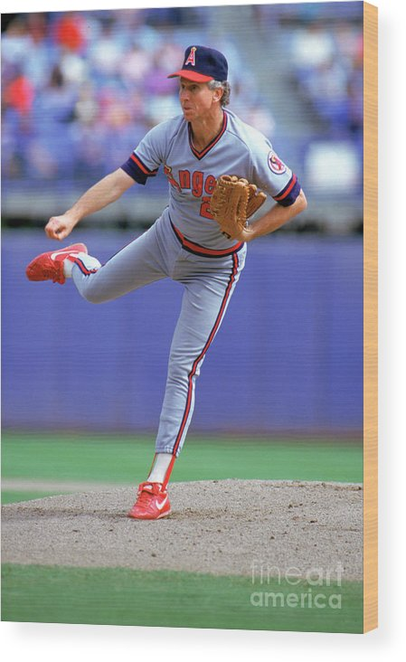 1980-1989 Wood Print featuring the photograph Don Sutton by Louis Deluca