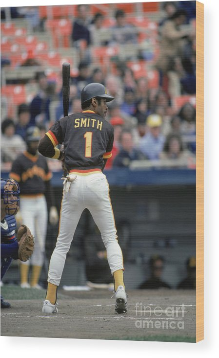 1980-1989 Wood Print featuring the photograph Ozzie Smith by Mlb Photos