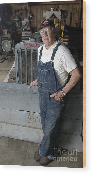 People Wood Print featuring the photograph Bob Hall by Icon Sports Wire