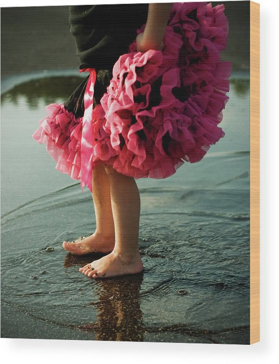 Toddler Wood Print featuring the photograph Little Girls Feet Splashing And Dancing by Ssj414