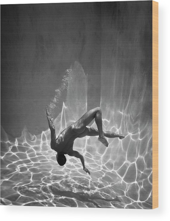 Underwater Wood Print featuring the photograph Naked Man Underwater by Ed Freeman