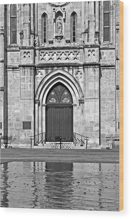 San Fernando Cathedral Wood Print featuring the photograph San Fernando Cathedral No. 2 by Phil Brown