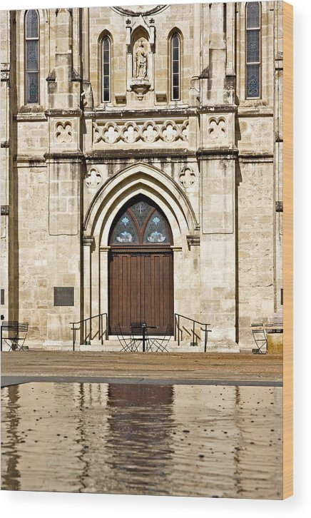 San Fernando Cathedral Wood Print featuring the photograph San Fernando Cathedral by Phil Brown