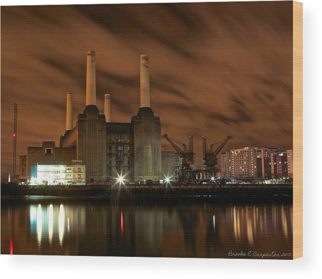 Night Wood Print featuring the photograph Battersea Power Station by Brooke Carpenter