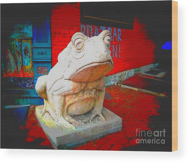 Wood Print featuring the photograph Bull Frog Painted by Kelly Awad