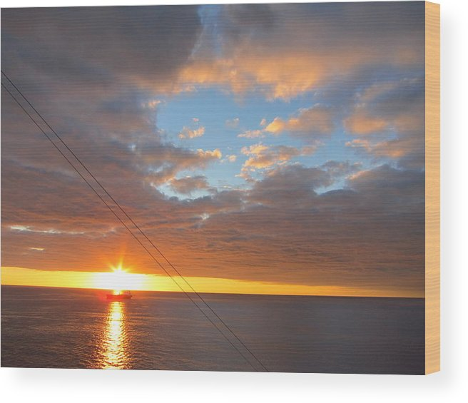Cruise Wood Print featuring the photograph Caribbean Cruise - On Board Ship - 1212176 by DC Photographer