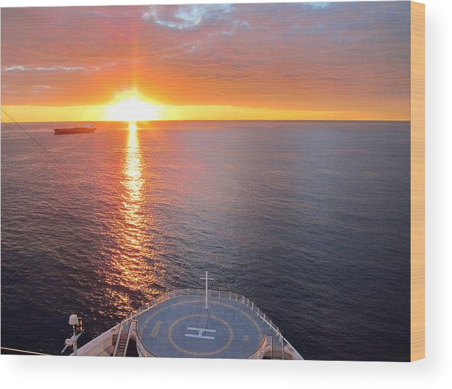 Cruise Wood Print featuring the photograph Caribbean Cruise - On Board Ship - 1212185 by DC Photographer