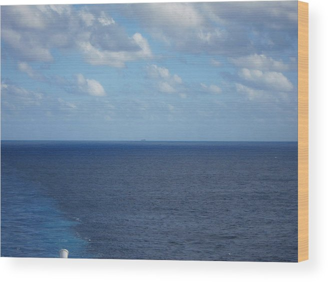 Cruise Wood Print featuring the photograph Caribbean Cruise - On Board Ship - 1212214 by DC Photographer