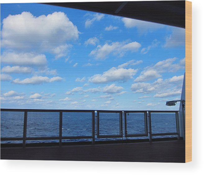 Cruise Wood Print featuring the photograph Caribbean Cruise - On Board Ship - 1212219 by DC Photographer