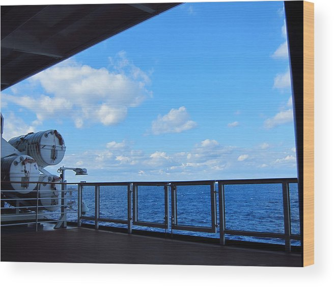 Cruise Wood Print featuring the photograph Caribbean Cruise - On Board Ship - 1212220 by DC Photographer
