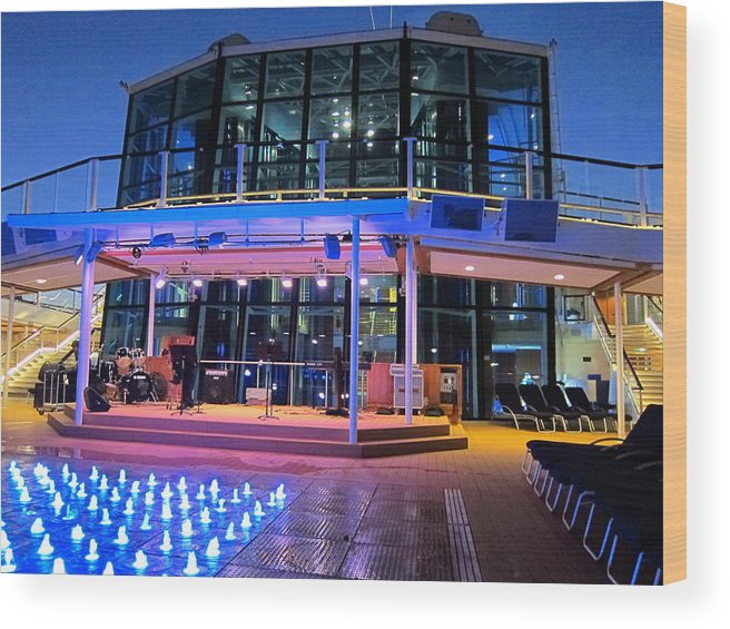 Cruise Wood Print featuring the photograph Caribbean Cruise - On Board Ship - 121238 by DC Photographer