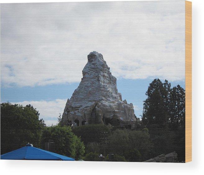 Amusement Wood Print featuring the photograph Disneyland Park Anaheim - 12123 by DC Photographer