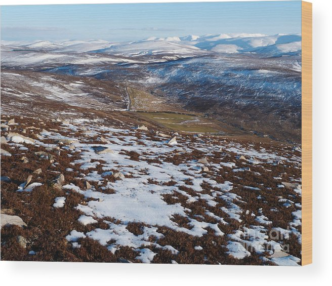 Cairngorm Mountains Wood Print featuring the photograph Eastern Cairngorms by Phil Banks