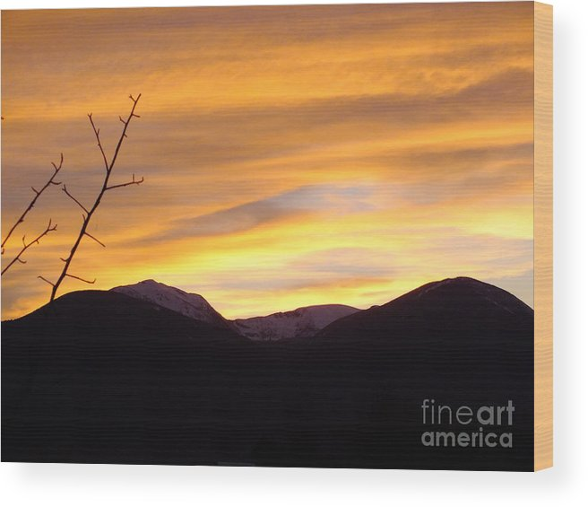 This Is A View In The Mountains Of Montana Where The Sun Is Setting Over The Mountain Tops. Very Nice With The Contrast Of Colors. Wood Print featuring the photograph Mountain Sunset by Greg Davis