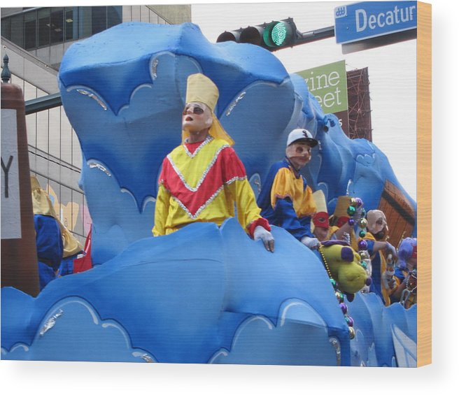 New Wood Print featuring the photograph New Orleans - Mardi Gras Parades - 121222 by DC Photographer