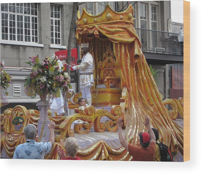New Wood Print featuring the photograph New Orleans - Mardi Gras Parades - 121261 by DC Photographer