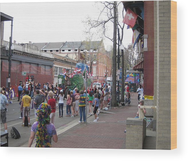 New Wood Print featuring the photograph New Orleans - Mardi Gras Parades - 121290 by DC Photographer