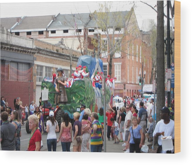 New Wood Print featuring the photograph New Orleans - Mardi Gras Parades - 121291 by DC Photographer