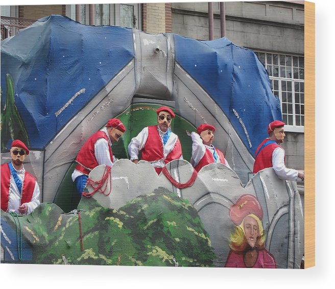 New Wood Print featuring the photograph New Orleans - Mardi Gras Parades - 121294 by DC Photographer