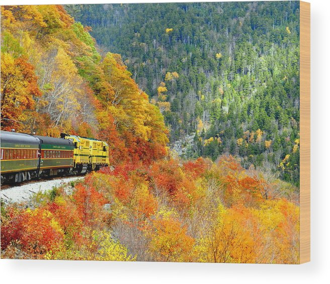 New Hampshire Wood Print featuring the photograph North To Crawford Notch by Bruce Brandli